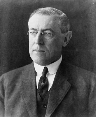 Woodrow_Wilson_portrait_December_2_1912.jpg